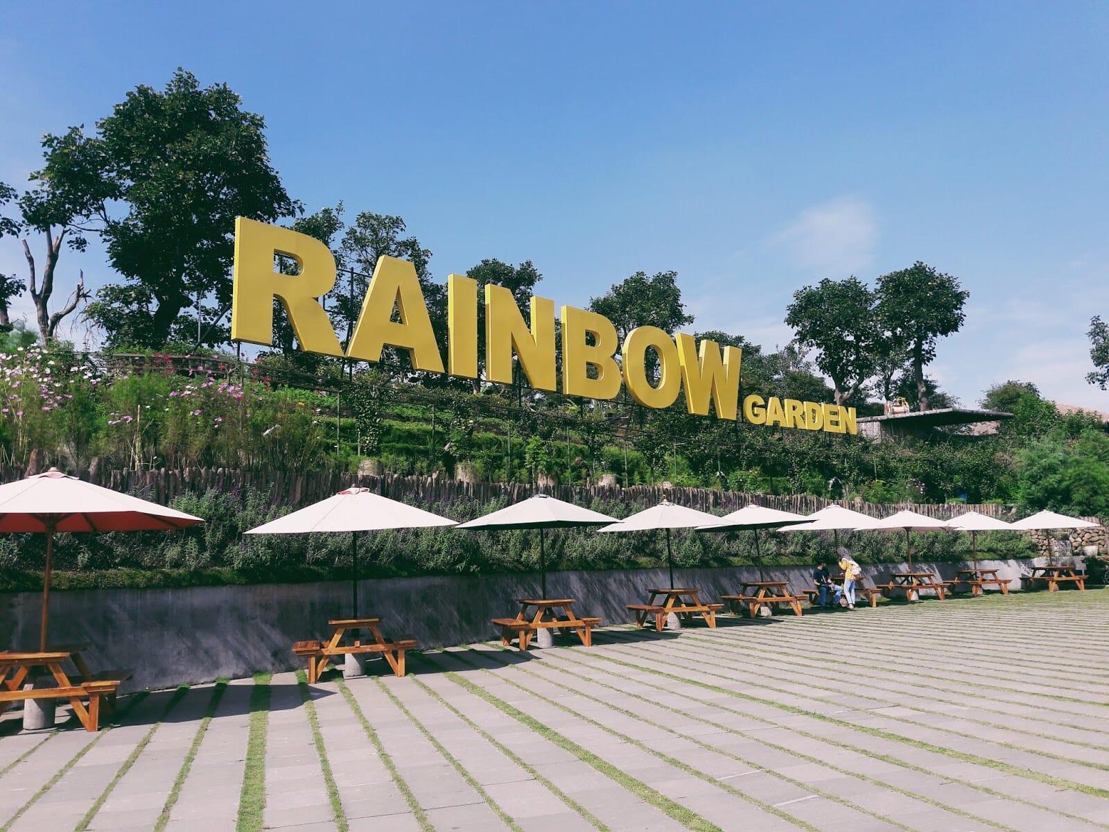 Sensasi Makan Bunga di Rainbow Garden Lembang